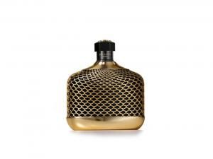 Put her in the mood with the irresistible scent of oud.