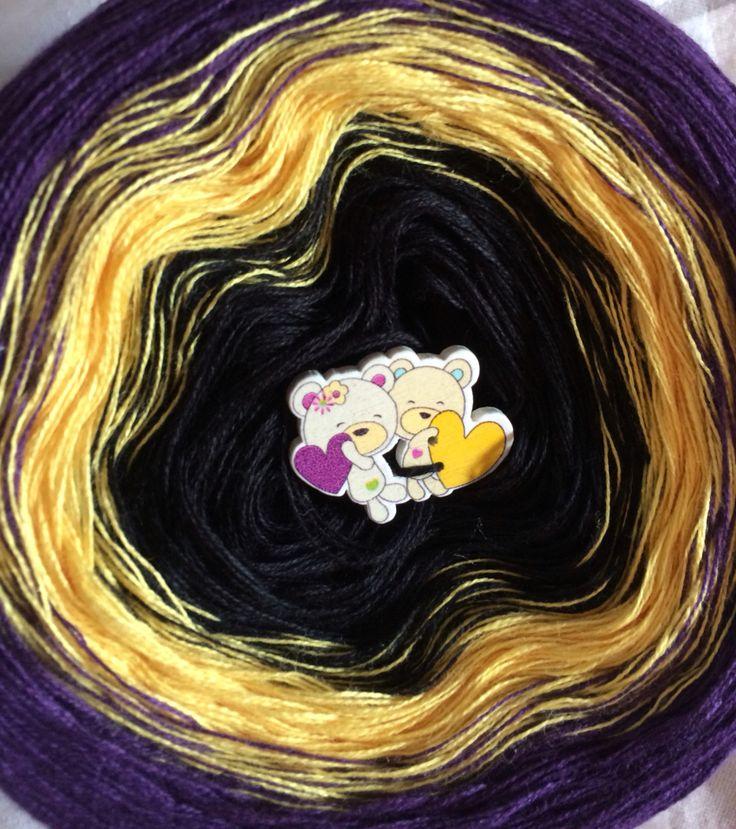 Gradient yarn cake, 3-ply ❤️ Http://www.Facebook.de/LittleFavorites