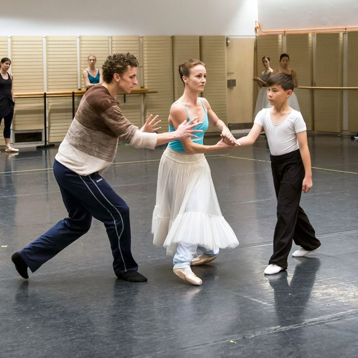 Kevin Jackson, Madeleine Eastoe and James (ITP student of The Australian Ballet School rehearsing with The Australian Ballet).