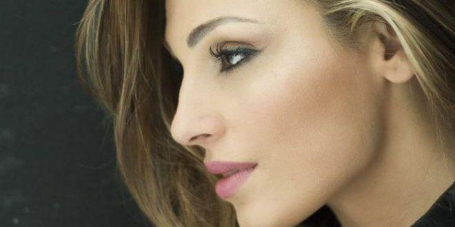 """Anna Tatangelo: in radio """"Natale italiano"""", il nuovo singolo"""