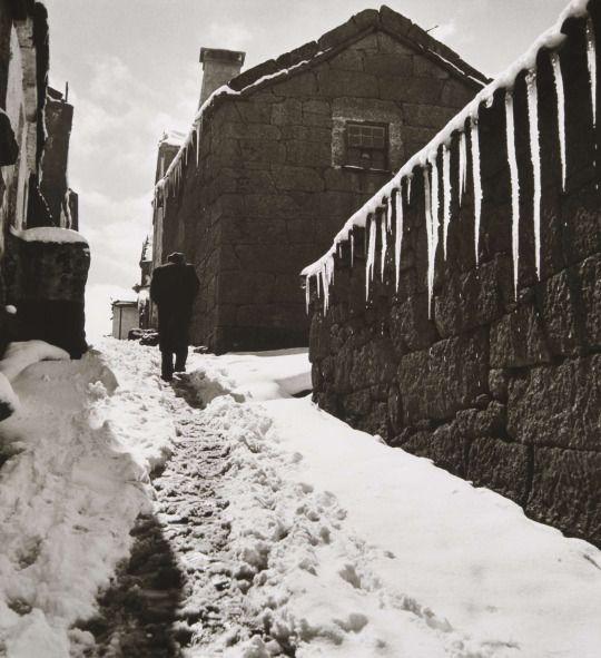 Artur Pastor - Série Inverno. Trás-os-Montes, década de 50