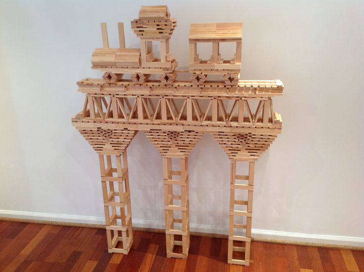KAPLA, young and old alike love to build!