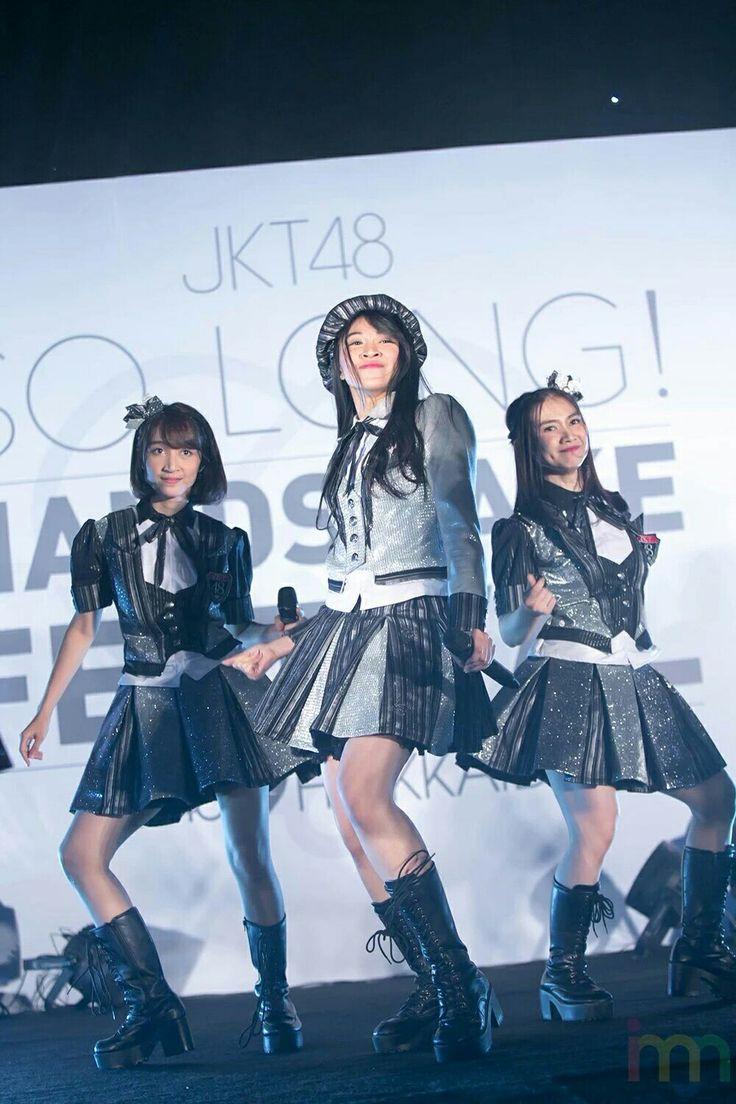 Center single ke 17 JKT48