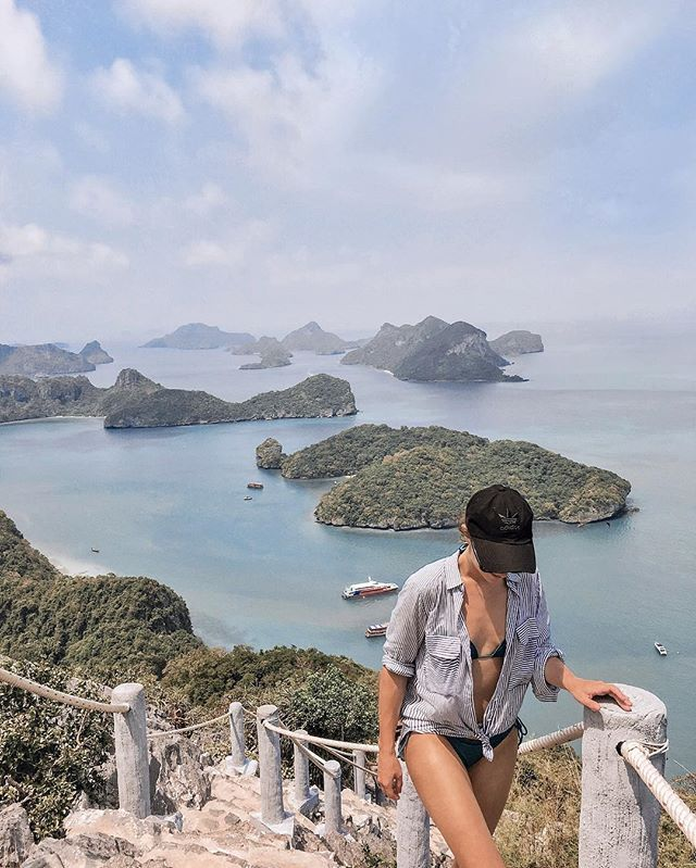 Happy saturday guys!  What are your weekend plans? I have a family dinner tonight and tomorrow bbq with friends  . #tb to this moment in Thailand where I was almost dying because of the heat and the long hike but after the struggle there was this view over this cute little islands yay!  . . . #kohsamui #thailand #igthailand #travelthailand #igersthailand #discoverthailand #islandlife #passionpassport #adventuretillwedie #letsgosomewhere #welltravelled #neverstopexploring…