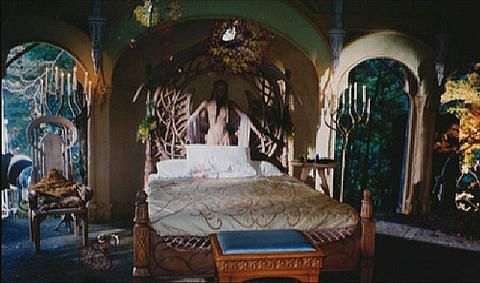 frodo s rivendell chamber sleep more photos and guest rooms. Black Bedroom Furniture Sets. Home Design Ideas