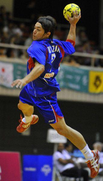 試合前、シュート練習する宮崎大輔(広島市)(2010年07月25日) 【撮影=牧野達夫】 ▼25Jul2010時事通信|鳥人 プレミアム写真館 2010年07月 http://www.jiji.com/jc/pp?d=pp_2010&p=201007-photo34 #Handball #Daisuke_Miyazaki