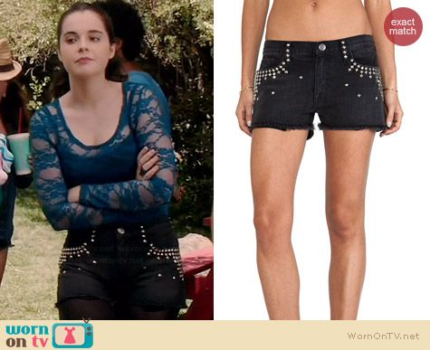 Bay's black studded shorts on Switched at Birth.  Outfit Details: http://wornontv.net/35846/ #SwitchedatBirth