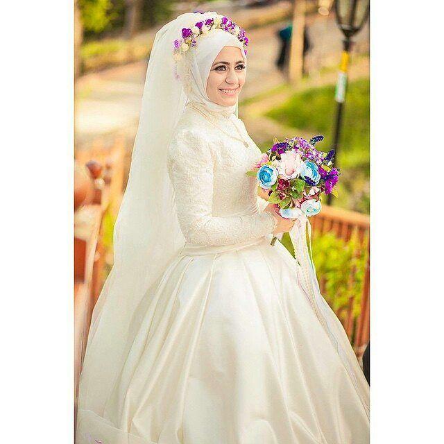 So beautiful ♥♥♥ Another lovely photo by @sercansevenphotography ♥ . . . #muslimwedding #muslimweddings #muslimweddingideas #islamicwedding #nikah #nikkah #nikaah #hijab #hijabfashion #hijabbride #hijabibride #hijabibrides #hijabbrides #hijabbeauty #muslimbride #muslim #muslimweddingdress #weddingdress #muslimbridal #muslimbrides #modestbride #weddinghijab #bridalhijab #themodestbride #hijabwedding