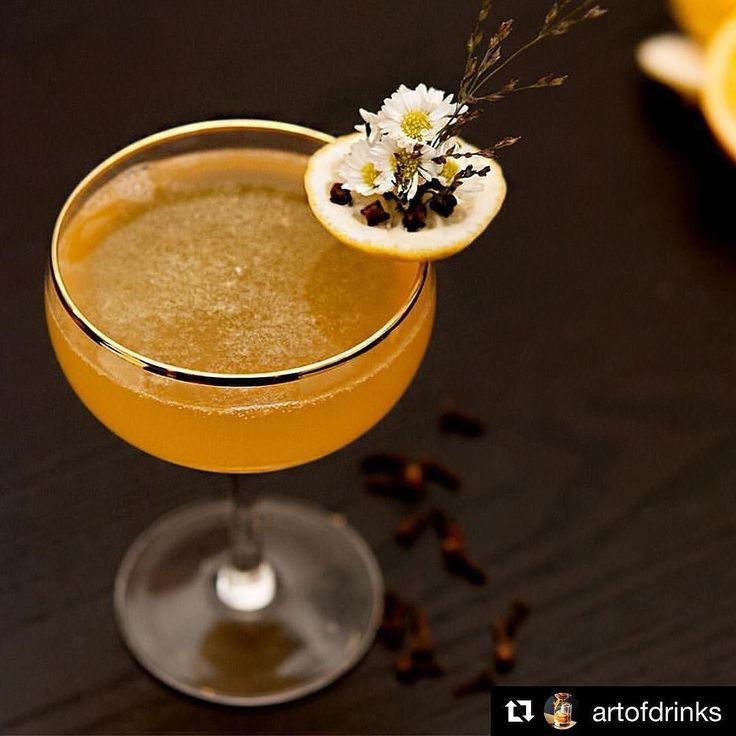 #Repost @art of drinks  Tangerine Daisy - Whisky Honey Lemon Fresh squeezed tangerine Dash of Grand Marnier Cloves Soda - Spotted on @shekeepsalovelyhome - Tag a friend you would love to share this delicious drink with! - Follow @artofdrinks for more beautiful cocktails