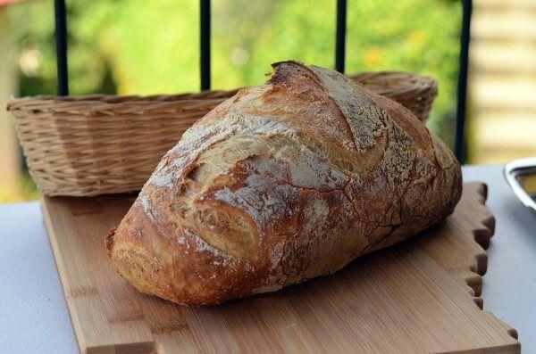 Hausgemachtes Brot - Domaci kruh