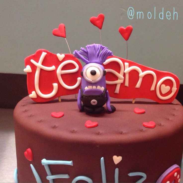 Pastel de minion morado para Aniversario / Purple minion cake for anniversary LOVE <3