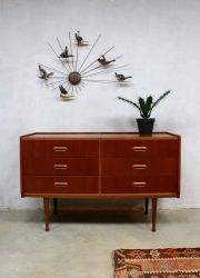 Vintage Deense ladekast kaptafel, vintage Danish cabinet chest of drawers www.bestwelhip.nl