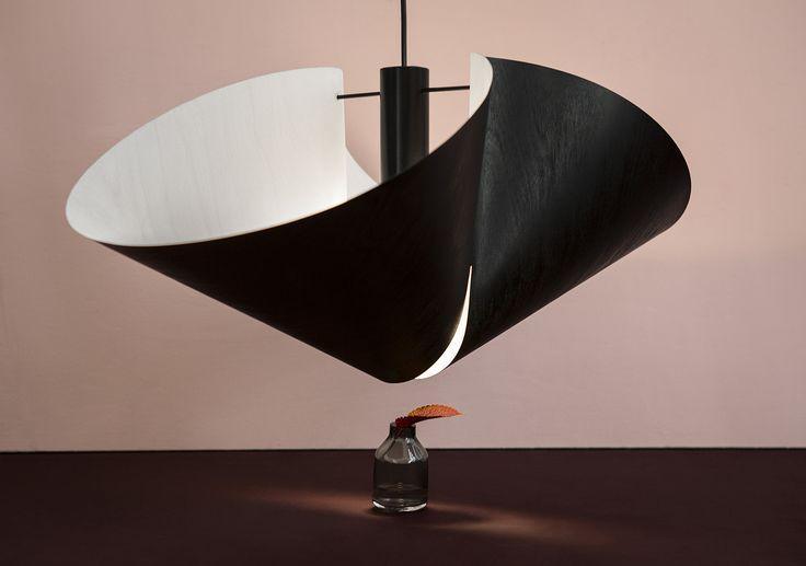 Vuono pendant lamp is made of Koskisen very thin and high quality airplane plywood. Design by Anni Pitkäjärvi and Hanna-Kaarina Heikkilä.