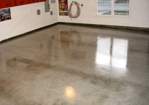 Clear acrylic sealer in a gloss finish for the garage.