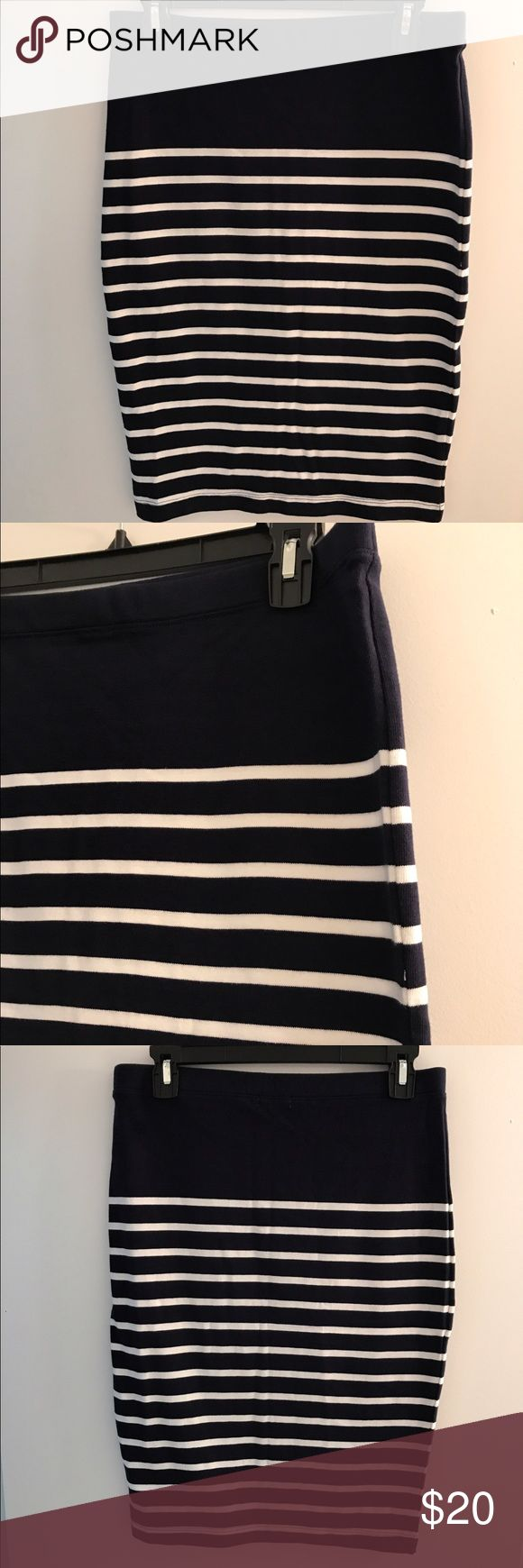 GAP navy striped skirt, NWOT. Cute navy and white striped pencil skirt from GAP. Fits from my belly button to knee. Mid weight, stretchy. Size small. 15 1/2 flat waist in inches, 23 length. New without tags, never worn. 100% cotton. Smoke free home. GAP Skirts Pencil