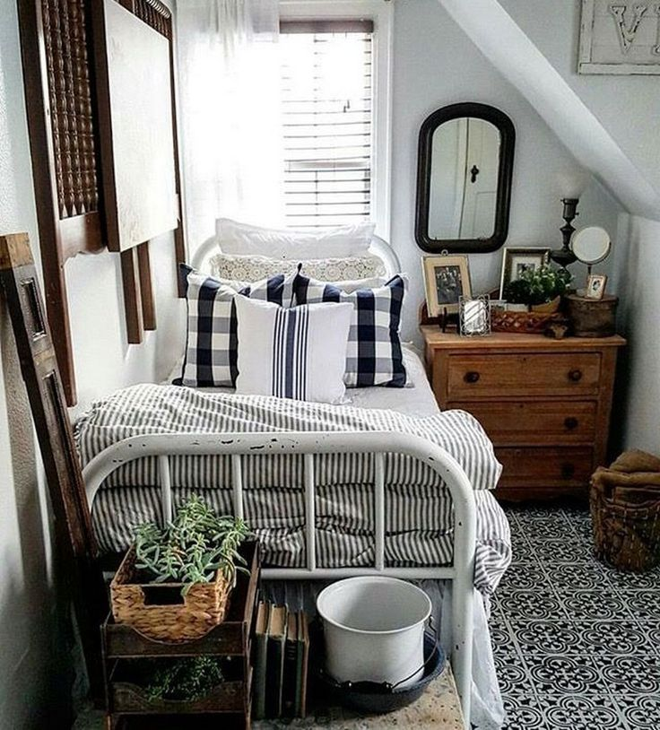37 Fresh Small Master Bedroom Decor Ideas Small Bedroom Decorating Ideas Bedroom Deco Master Bedrooms Decor Bedroom Furniture Design Rustic Master Bedroom