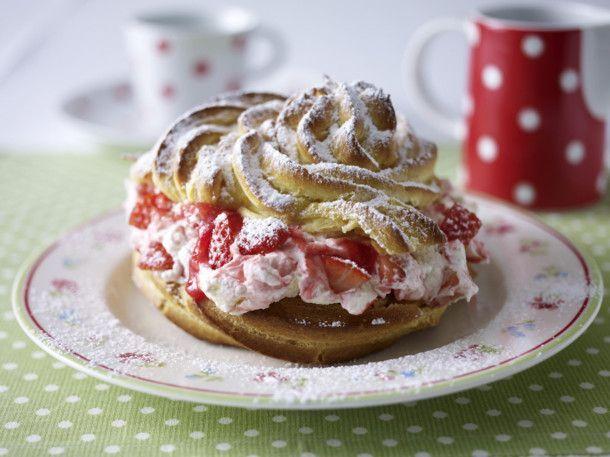 Unser beliebtes Rezept für Sylter Windbeutel mit Erdbeersahne und mehr als 55.000 weitere kostenlose Rezepte auf LECKER.de.