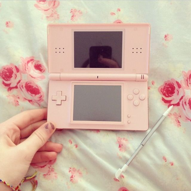 just like my lil sis has same color everything but i have the 3ds but we both have laptops & psps