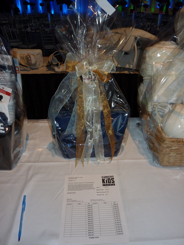 Vancouver Canucks Dice & Ice 2012 - Coaches Basket