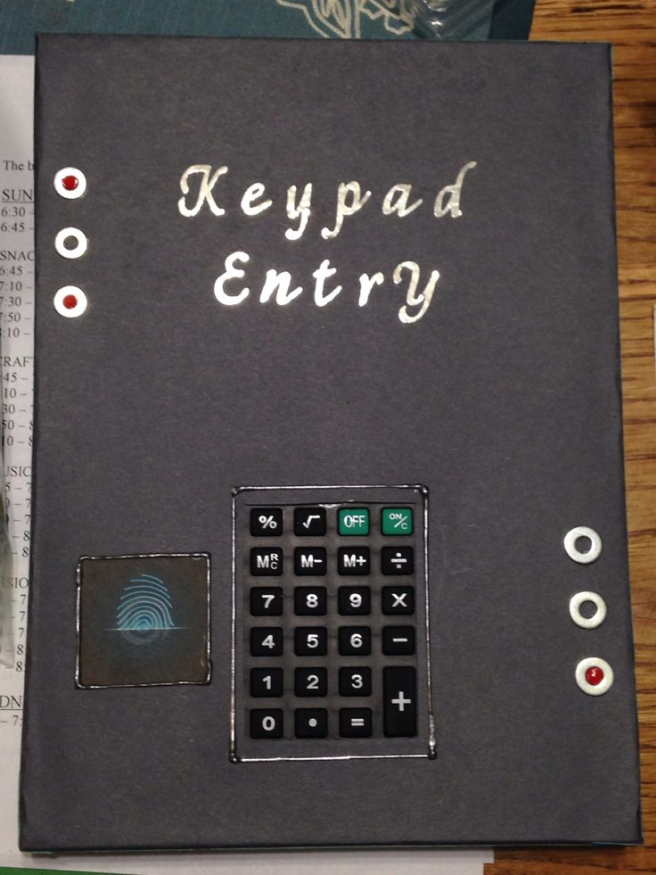 "Cardboard box ""keypad entry"" made with calculator for VBS 2014 Agent D3"