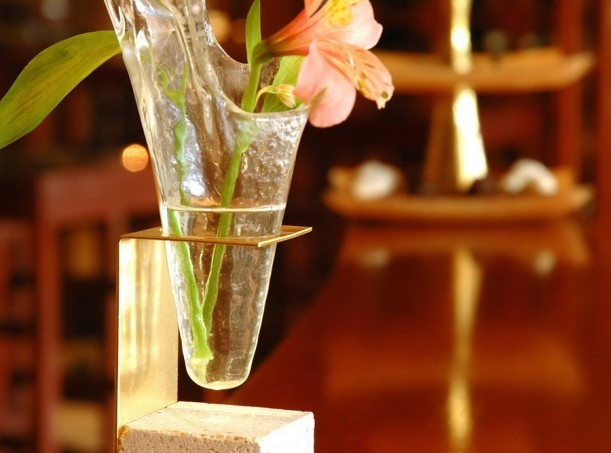 Mini flower bud vase for restaurant table setting. Design by Glass Studio