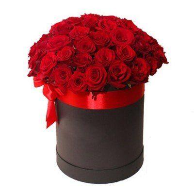 51 красная роза в коробке размером 20х25 см