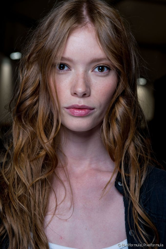 Copper Foilyage: The Hair Color Technique You Need for Sun-Kissed Highlights