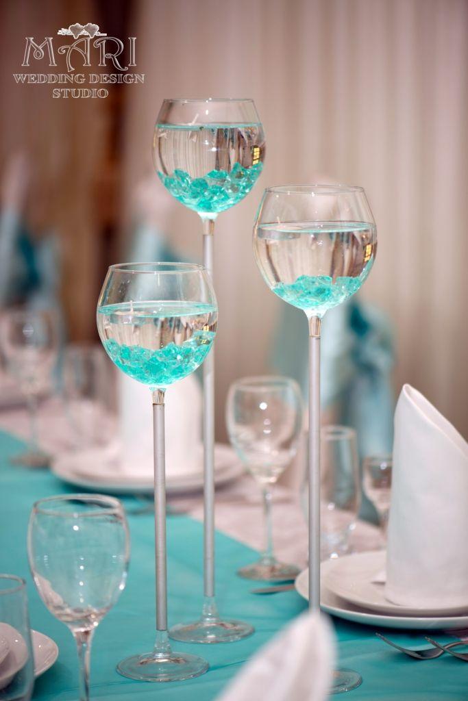 Классическое оформление свадьбы. Организация свадьбы свадебное агентство Mari . Фото Татьяна Сторожева. Свадьба в мятном цвете. Плавающие свечи,  украшение стола гостей на свадьбе