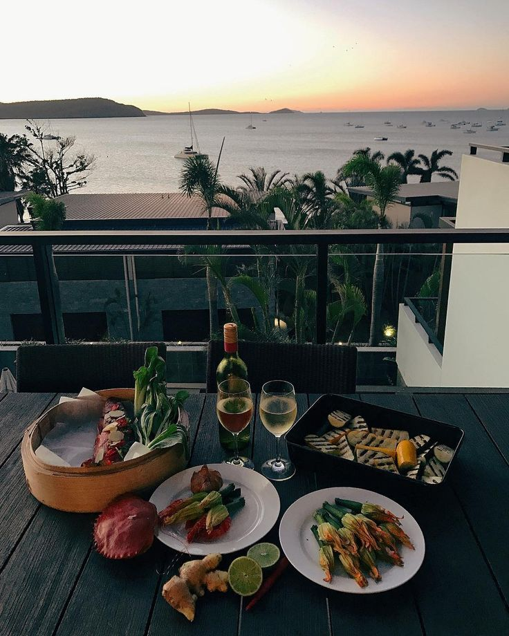 Wonderful fresh food and a view to die for at the Whitsundays with @seeAustralia and @food_feels #lovewhitsundays #thisisqueensland #seeaustralia