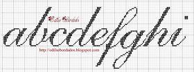 Bom dia!!!  Esse monograma fiz pra minha amiga Val...  Obrigada mais uma vez pelo carinho de todas vocês que me visitam... Que Deus as abenç...