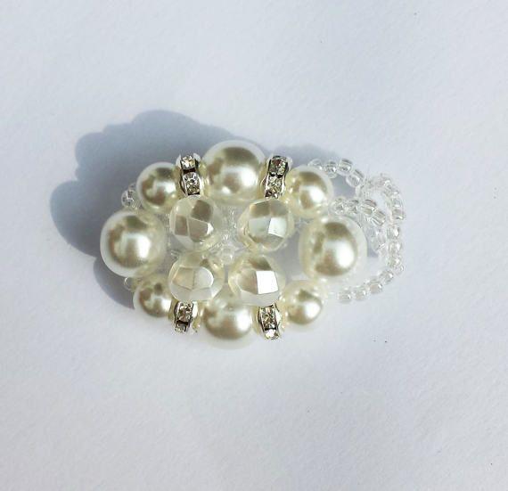 Anello con perle bianche e strass argento di BarbaraCreationsIT