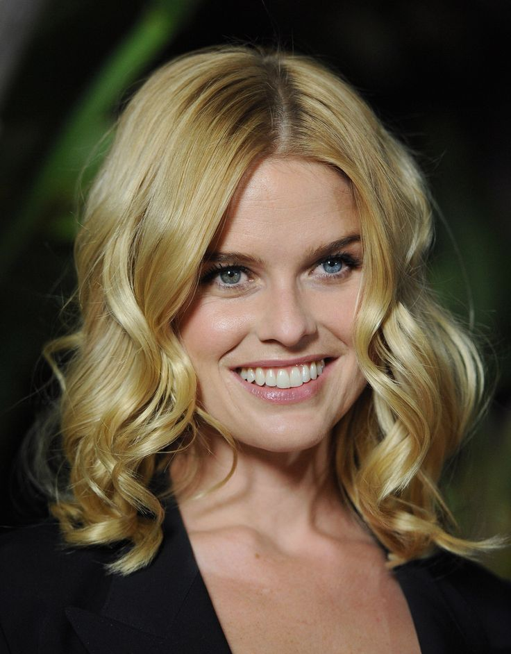 Alice Eve (just watched her in Black Mirror, Nosedive ...