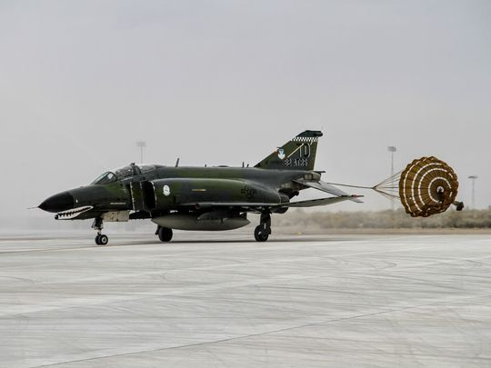 An QF-4 Phantom II Aerial Target makes a landing at Holloman Air Force Base during its final flight Wednesday, Dec. 21. (Photo: Jacqueline Devine/Daily News)