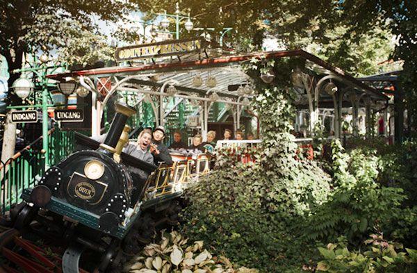 Jardines de Tívoli en Dinamarca, ¡el parque temático más antiguo del mundo!