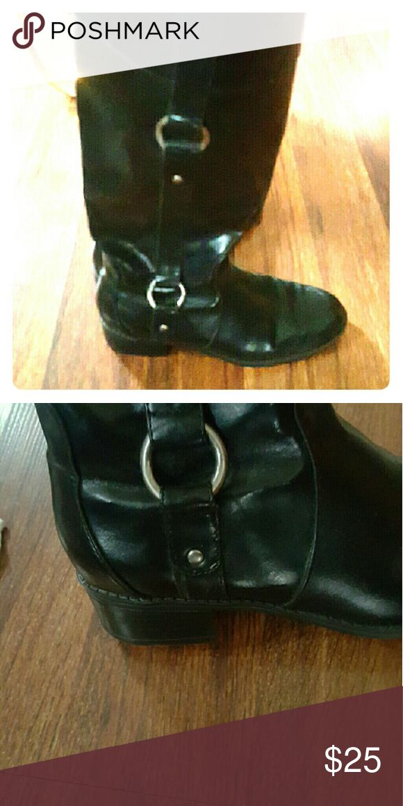 """DOCKERS BOOTS Black leather boots with small 1 1/2"""" heel. Measures 16 1/2"""" in height.  Sits just below the knee. Looks great with jeans tucked in or out or with a skirt. Been worn. Still have a lot of wear left. Let me know if you would like to see more pictures. Great price! Thanks for stopping by my closet! More to come! Dockers Shoes Heeled Boots"""