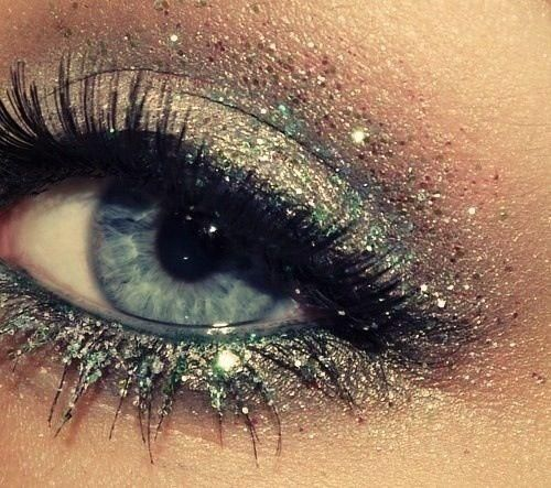 little bit of glitter in the crease of the eye and also the shimmery gold