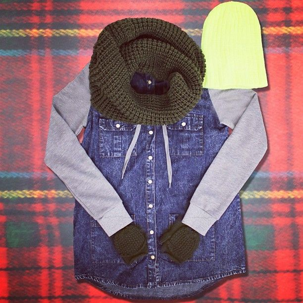 #Toques #gloves and #scarves starting @ 2/$15! #YesPlease!