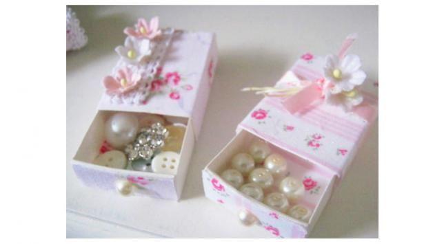 Cómo decorar una caja para regalo infantil