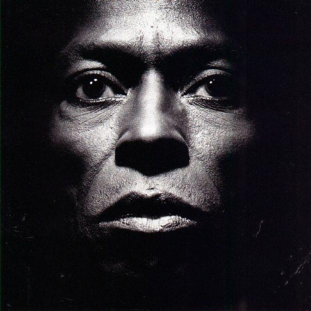 Tutu by Miles Davis (1986) | Community Post: 42 Classic Black And White Album Covers