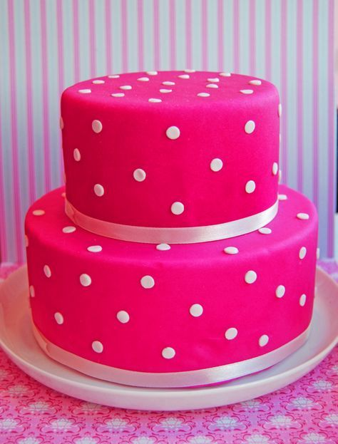 Color Rosa - Bright Pink!!!  Pink cake-love how bright it is! | Gâteau rose vif!