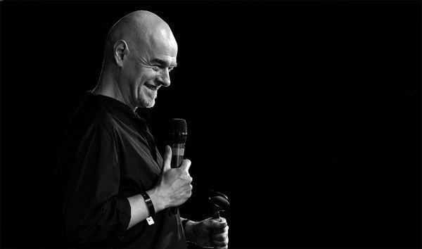 Ο διεθνούς φήμης Άγγλος κωμικός Paul Thorne έρχεται στο Ίδρυμα Μιχάλης Κακογιάννης για μία special παράσταση stand up comedy, Τετάρτη 13 Απριλίου 2016, στις 20:00