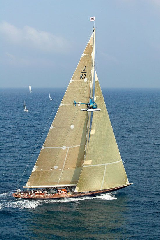 "Sailing yacht ""Velsheda."" Photo © Nicolas Claris.          _  Marynistyka.org, ⛵ Marynistyka.pl, ⚓ Marynistyka.waw.pl  Sklep.marynistyka.org ⚓"