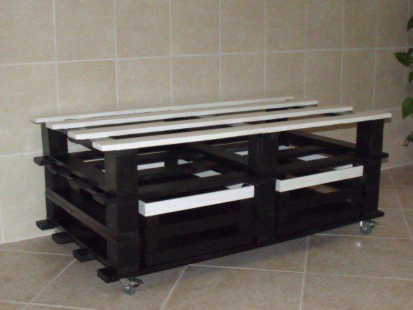 pallet table as a tv stand pallet ideas tvs meubles et palettes. Black Bedroom Furniture Sets. Home Design Ideas