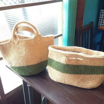 差し色を入れるなら、手芸用の麻紐(ヘンプ糸)を。 各メーカーから様々なカラーが販売されています。(用いるかぎ針の太さは、糸の太さに応じて変えましょう。)