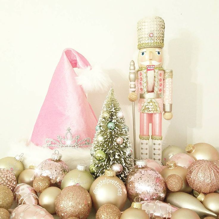 1000+ Ideas About Pink Christmas Decorations On Pinterest
