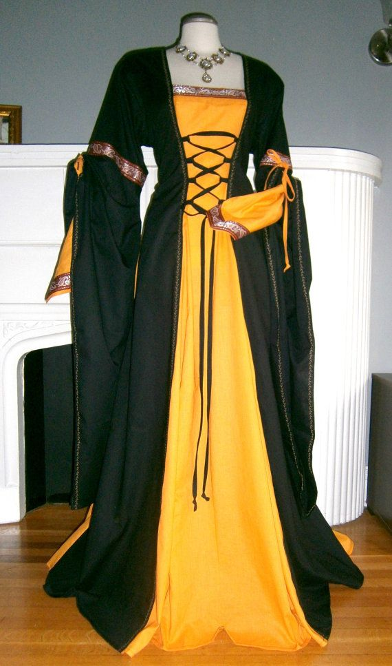 Halloween Medieval Dress Renaissance Gown by CadwaladrCostumes
