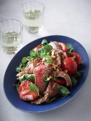 【ELLE a table】赤身肉とトマトのホットサラダレシピ|エル・オンライン
