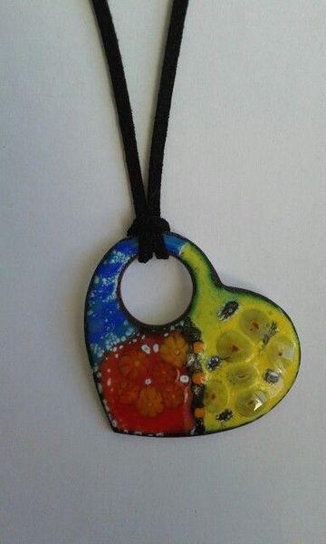 Colgante de esmalte al fuego echo a mano de I love enamels por DaWanda.com
