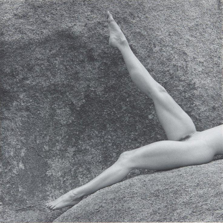Mapplethorpe  Роберт Мэпплторп (англ. Robert Mapplethorpe; 4 ноября 1946, Флорал-Парк, штат Нью-Йорк — 9 марта 1989, Бостон, США) — американский художник, известный своими гомоэротическими фотографиями.