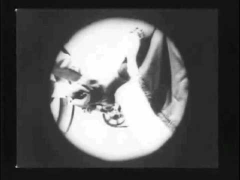 As Seen Through a Telescope (1900) - 1st Telescoped PoV Close-Up - Georg...
